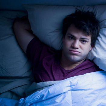 Problemas comuns de sono em adolescentes [Como Resolver]